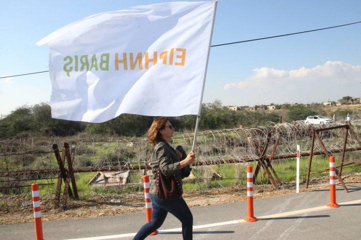 Κύπρος: ανοίγουν ξανά δυο οδοφράγματα