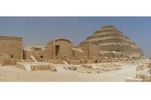Descubren siete tumbas del período faraónico en Egipto