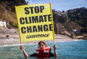 Greenpeace: il governo ci dica subito se la difesa del clima è una priorità