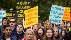 Estudiantes de todo EE.UU. se retiran de clases para emitir su voto en las elecciones de mitad de período