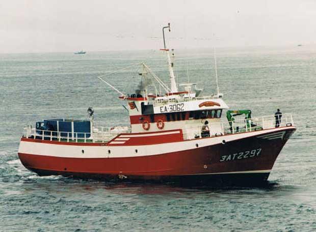 """Richiesta urgente all´UE ed ai governi europei per consentire al peschereccio """"Nuestra Madre Loreto"""" di sbarcare in un porto sicuro"""