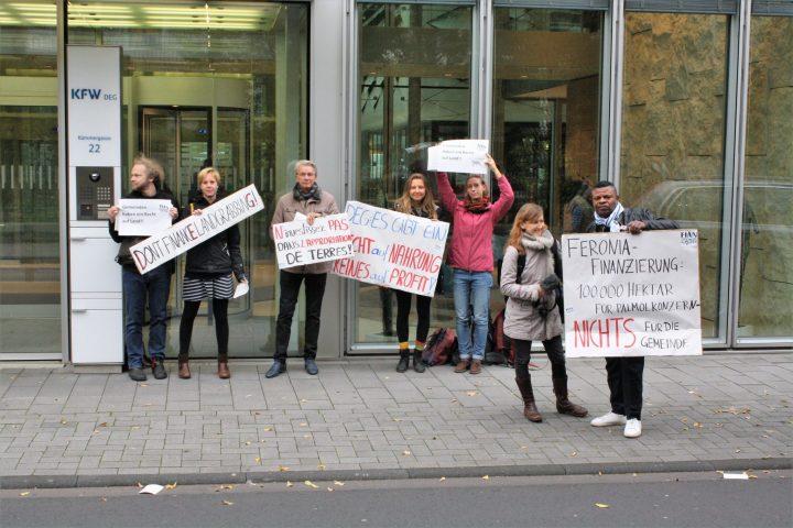 Landkonflikte bei Palmöl-Plantagen im Kongo: mitfinanziert durch die deutsche Entwicklungsbank