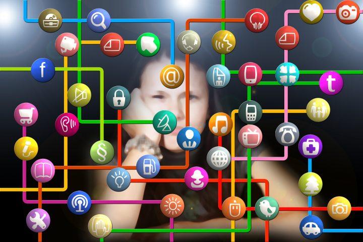 Contra la transformación social: El firewall monopólico en las redes sociales digitales