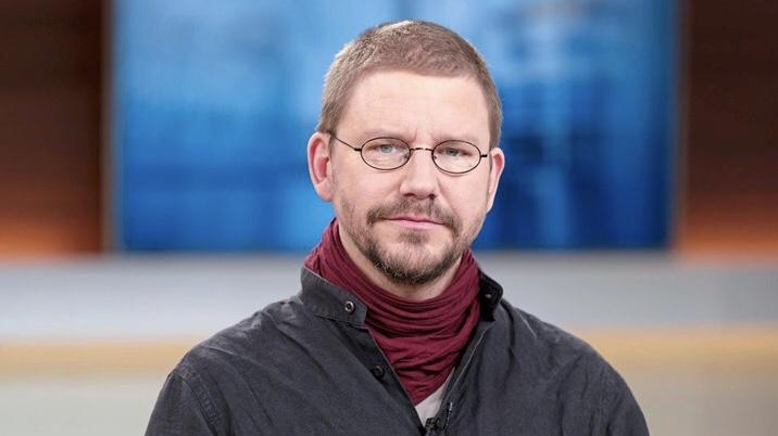 Turchia, da tre mesi in carcere giornalista austriaco. Max Zirngast simbolo delle repressioni senza fine di Erdogan