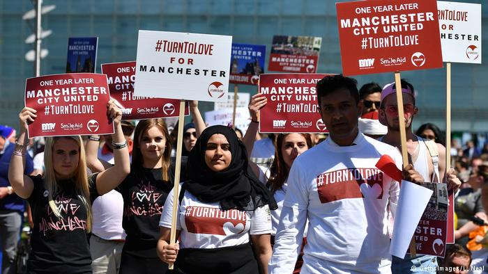 """Khan: """"Frauen spielen eine besondere Rolle im Kampf gegen Extremismus"""""""