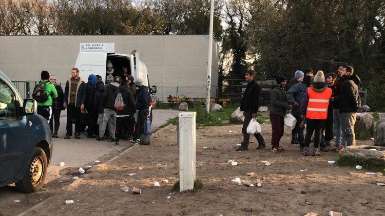 Calais_refugiados_ayuda_Care for Calais (16)