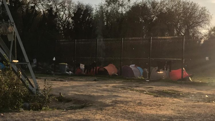 Calais_refugiados_ayuda_Care for Calais (19)