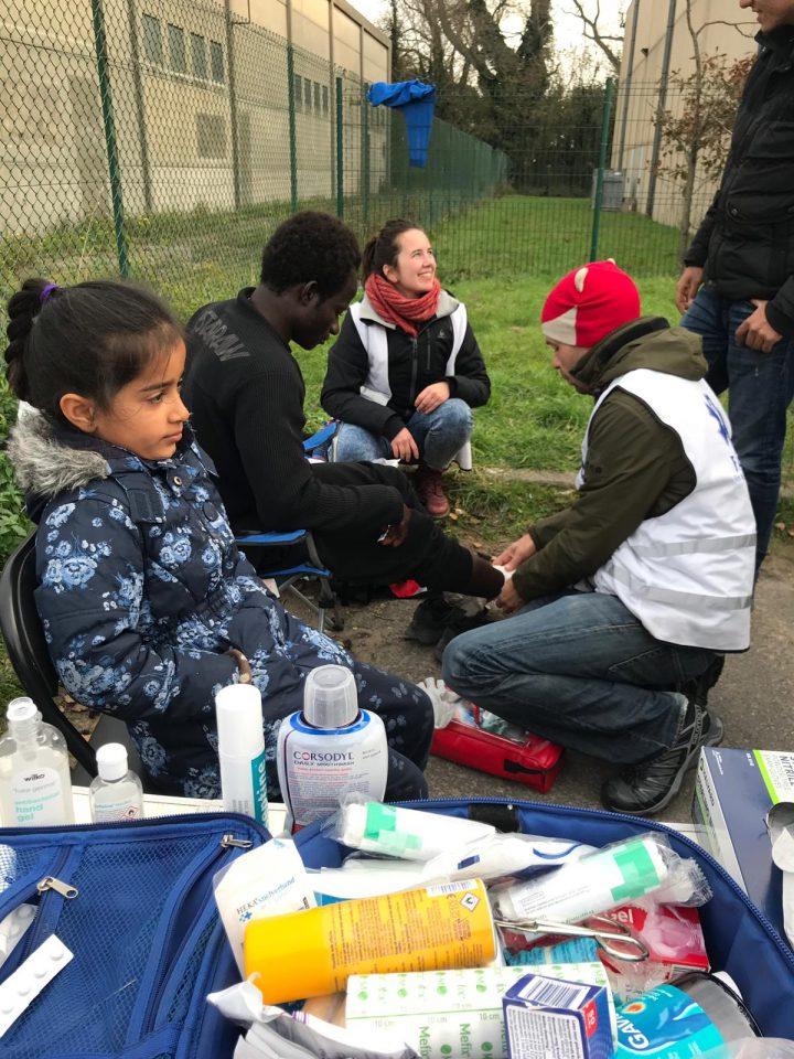 Calais_refugiados_ayuda_Care for Calais (2)