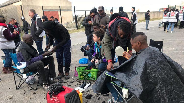 Calais_refugiados_ayuda_Care for Calais (8)