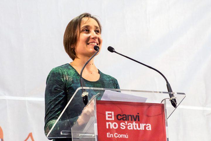 Ισπανίδα βουλευτής καταγγέλλει τη συνωμοσία φαρμακευτικών και ορισμένων πολιτικών κομμάτων