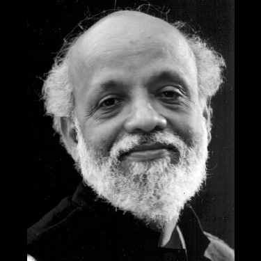 Voici Prasanna Heggodu : Fondateur du mouvement Gram Seva Sangh. Gandhien. Artisan de paix