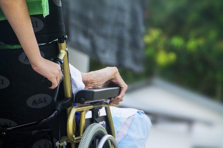 Alesp aprova projeto que assegura a paciente em fase terminal recusar tratamento
