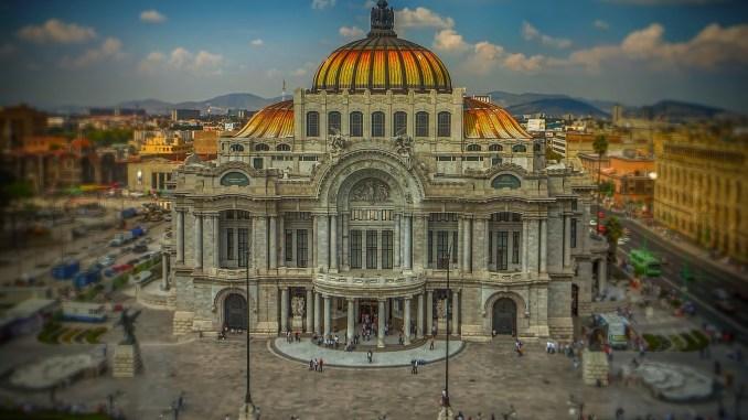 AMLO busca redistribuir el presupuesto mexicano