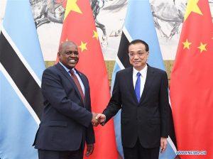 China donó clínicas modulares a Botswana