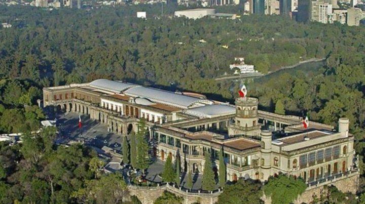 Vuelve al pueblo residencia oficial mexicana, símbolo de opulencia