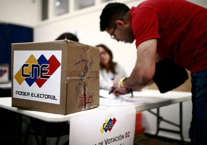 Venezuela: llegan los acompañantes internacionales para las elecciones municipales del domingo