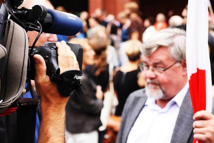 Was ist das Problem mit den öffentlich-rechtlichen Medien in Ungarn? Warum wird dort jetzt demonstriert?