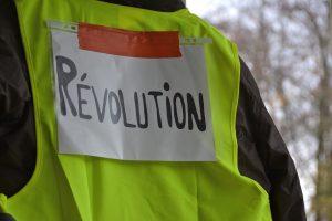 """Movimiento de """"chalecos amarillos"""" ya es una oposición real"""