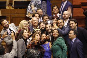 Chile: Frente Amplio separa aguas del resto de la oposición