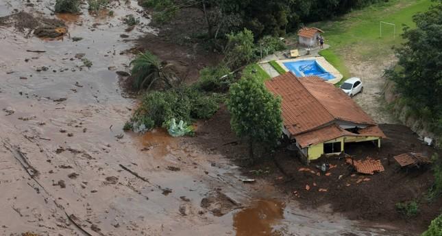 """Crollo della diga in Brasile: """"Un altro crimine ambientale"""""""