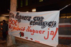 Sindicat de Llogaters i PAH ocupen la seu del PSC per a exigir la regulació de lloguer