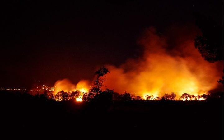 """Via Salaria 981, il Tmb incendiato e quei rifiuti a metà tra business, """"complotti"""" e privatizzazioni"""