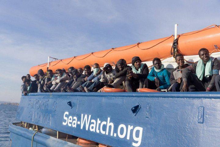 Sbarco a Catania per i migranti della Sea Watch