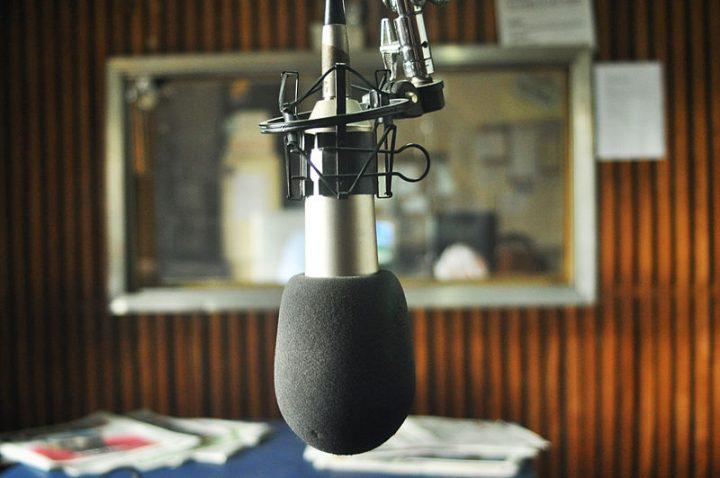 En el último día de su mandato, Michel Temer suspendió licencias y extinguió cerca de 130 radios comunitarias