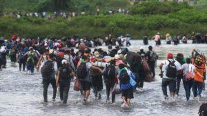 Otra caravana de hondureños sale hacia EEUU en busca de mejores condiciones de vida