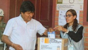 Morales apunta al 70% de la votación