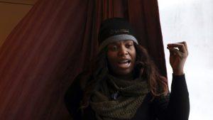 Reserva decenas de habitaciones de hotel para ayudar a los sinhogar a sobrevivir el frío extremo en Chicago