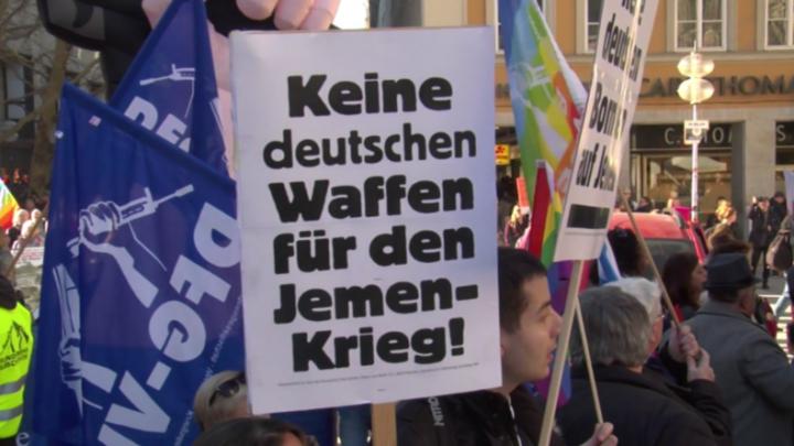 Deutschland: Tausende protestieren anlässlich der Münchner Sicherheitskonferenz