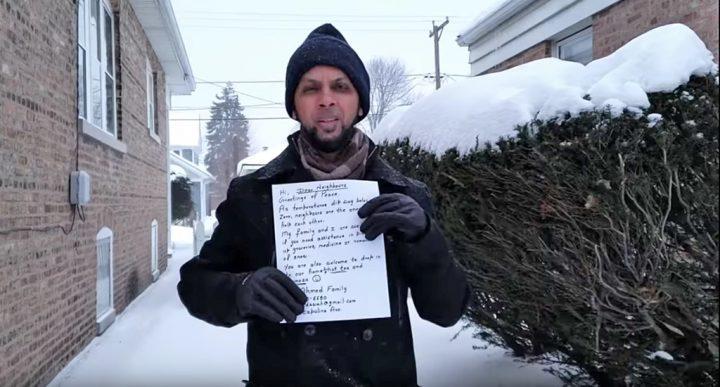 Chicago: famiglia musulmana lascia biglietti nelle case offrendo aiuto durante l'ondata di freddo