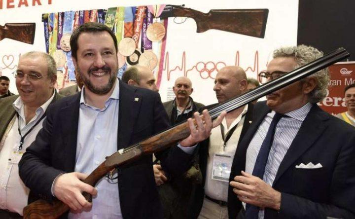 HIT Show: la fiera vicentina è diventata la piattaforma di lancio per la diffusione delle armi e le politiche che la incentivano