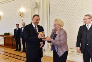 Aserbaidschan-Affäre: Der Strafe für Strenz müssen weitere Konsequenzen folgen