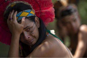 Brésil : c'est « la Mère Nature qui vomit ce que l'homme blanc fait »