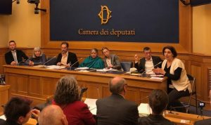 Pesticidi questione globale: l'appello di Vandana Shiva