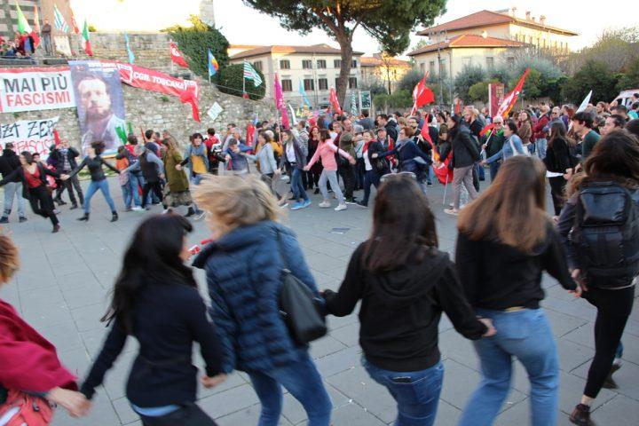 Prato responde con fuerza: ni un paso atrás en el frente de los derechos, nunca más fascismos