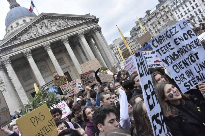 [Reportage-photo Paris] La jeunesse se mobilise lors de la grève mondiale pour le climat