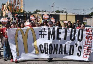 Du solitaire « moi aussi » au collectif « nous aussi » #MeToo: Un mouvement pour les travailleuses aussi!