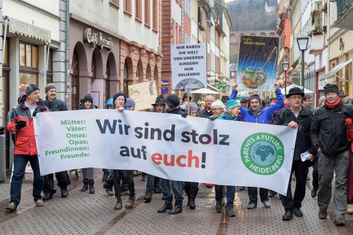 Klimaschutz goes Bundestag – Parents For Future reichen Petition beim Bundestag ein