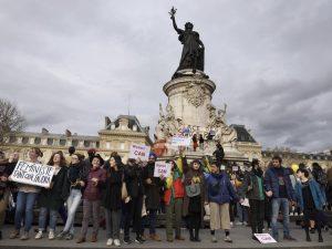 """[Reportaje fotográfico] 8M – París contra la desigualdad –»En el punto en el que estamos, es absolutamente necesario seguir hasta el final. No tenemos elección"""""""