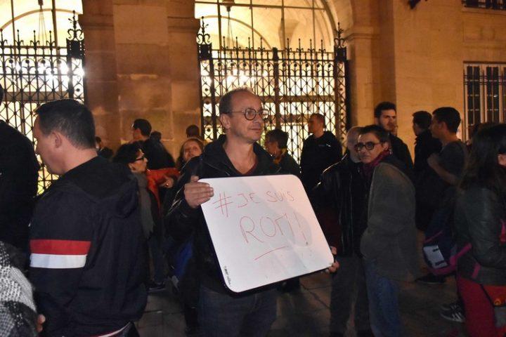 Frente a los rumores racistas, manifestación de solidaridad en apoyo a los romaníes