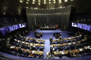 Senado aprova multa para quem paga salário diferente para mulher