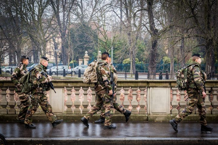 "French army receives authorization to shoot ""yellow vest"" protesters"