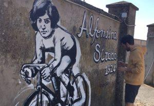Utiliza la bicicleta: la mejor forma de arte callejero político es pedalear