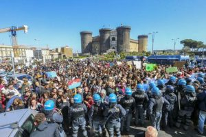 Napoli: Salvini può bloccare la manifestazione per il clima?