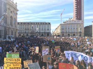 Italienische Schüler antworten Wissenschaftlern und lancieren nationale Versammlung von #FridaysForFuture Italia