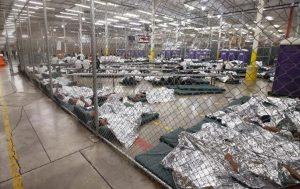 Denuncian miles de abusos a menores migrantes bajo custodia de EE.UU.