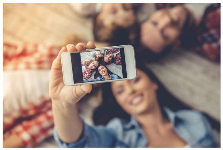 Redes sociales: ¿debería compartir fotos de sus hijos en línea?
